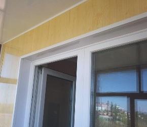 Засклення балконів під ключ в Києві