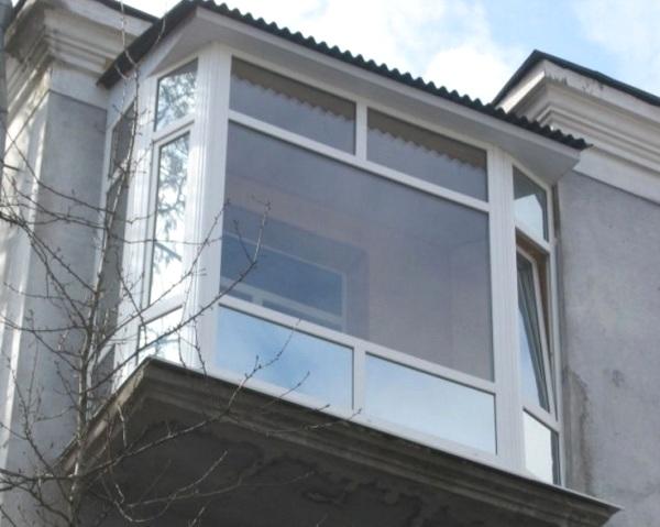 Французький балкон в центрі Києва