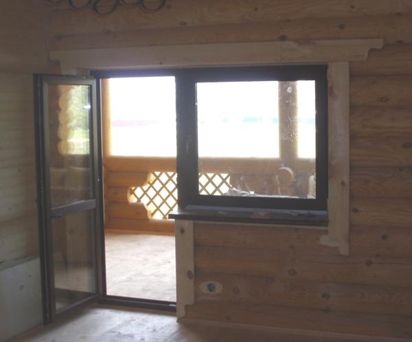 Ламинированные окна в частном деревянном доме